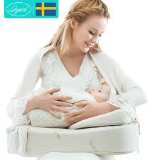 breastfeeding pillow-wonderparenting