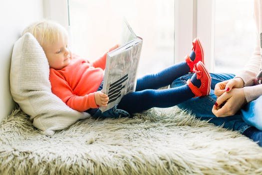 toddler reading habits-wonderparenting