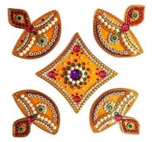 handcrafted-rangoli-diwali-gift-ideas-wonderparenting