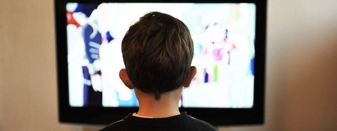 impact-of-television-on-children-wonderparenting