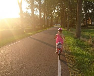 road-safety-for-kids-wonderparenting