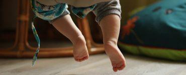 infant-swings-wonderparenting