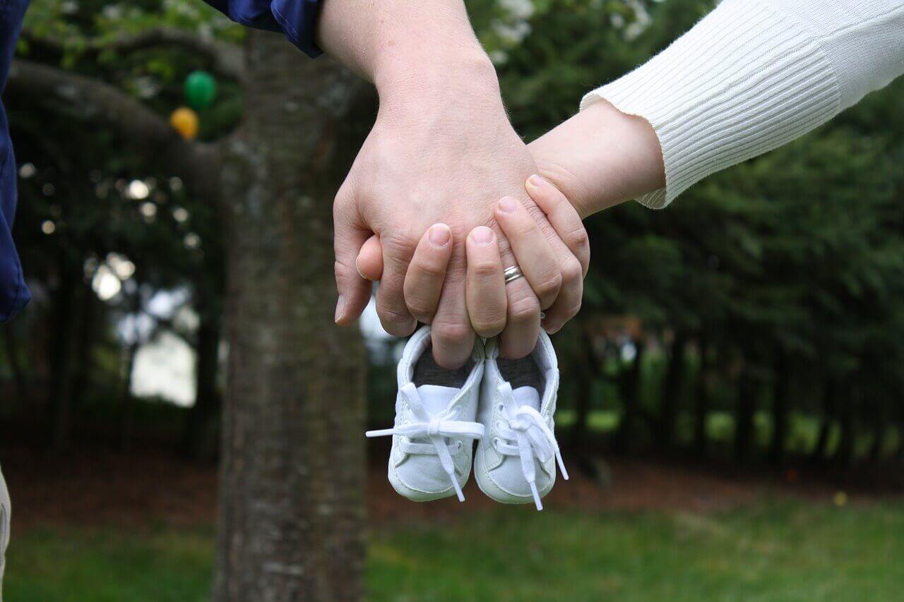 surrogate-mother-wonderparenting